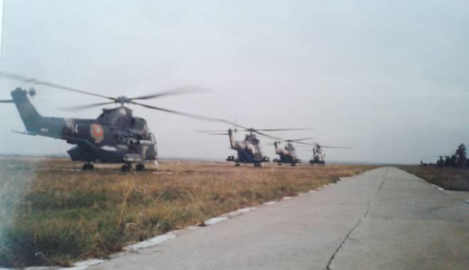Foto: Patru Doamne și toți patru:  elicopter doborât - echipaj martir!