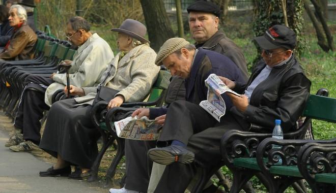 Pensionarii, veteranii și văduvele de război vor primi taloanele speciale de călătorie pentru anul 2013 - 06pensionari13213984441351548087-1359372080.jpg