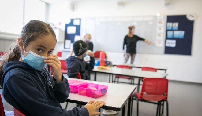 Klaus Iohannis: Vă încurajez să-i trimiteți pe copii la școală