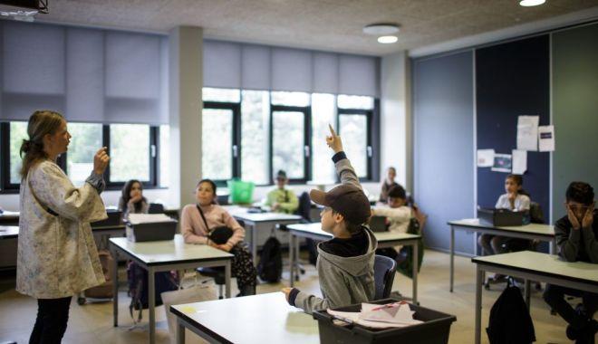 Suplimentare cu 750 de posturi în şcoli, pentru buna desfășurare a activității în învățământul preuniversitar - 1-1602244488.jpg