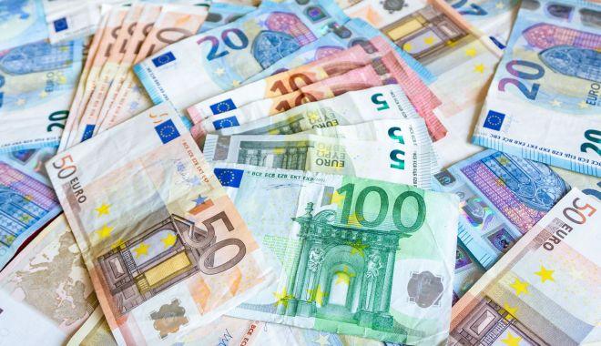 Cu cât s-a împrumutat ministerul Finanţelor de la bănci - 1-1603815073.jpg
