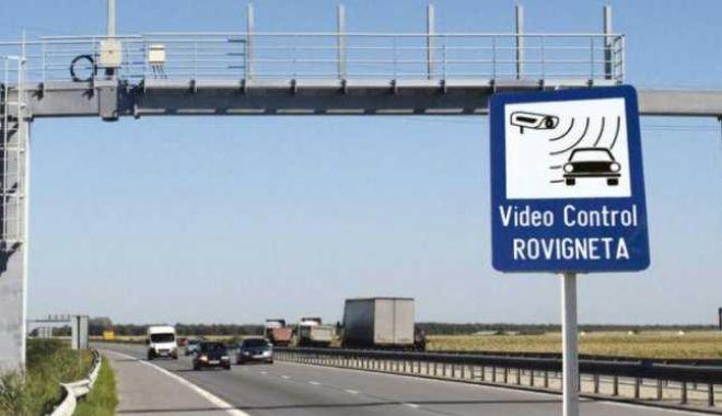 Atenție șoferi: FĂRĂ ROVINIETĂ ȘI PEAJ, pentru câteva ore! - 1-1610635255.jpg