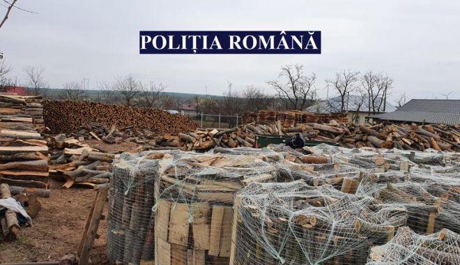Acţiune a poliţiştilor pentru combaterea faptelor ilegale în domeniul forestier - 1-1618053862.jpg