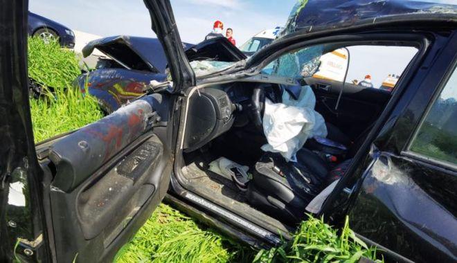 GALERIE FOTO. Accident grav, în ziua de Paşte. Trei persoane au fost rănite - 1-1619964114.jpg