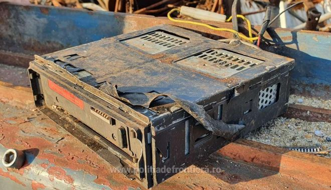 VIDEO. Şlepuri cu tone de deşeuri, descoperite în Portul Murfatlar - 16232285795913080s4-1623229884.jpg