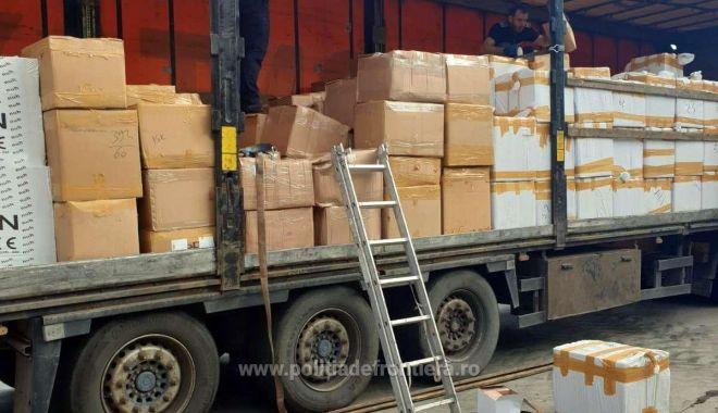 Parfumuri de 2 milioane de euro, aduse din Turcia, confiscate la frontieră - 16269300376313599s4-1626938750.jpg
