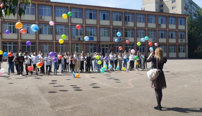 """GALERIE FOTO / Școala nr. 29 """"Mihai Viteazul"""" a îmbrăcat haine de sărbătoare - 19222941419637774171135026683546-1622195656.jpg"""