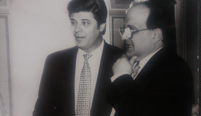"""Foto: Arhiva de Aur """"Cuget Liber"""". Ion Șerban și Horia Mircea Hossu, pe vremea când afacerile le mergeau strună"""