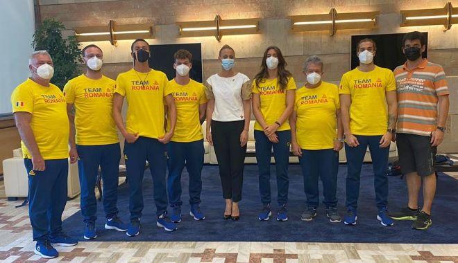 Olimpism / Încurajaţi de preşedintele COSR, înotătorii români au plecat spre Tokyo - 21677106641256987674846873252729-1626602304.jpg