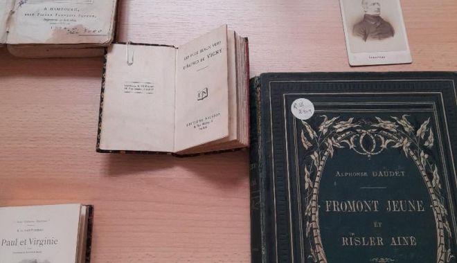 Expoziţie de literatură franceză la Biblioteca Judeţeană Constanţa - 22324328047288447371435223456226-1627035309.jpg