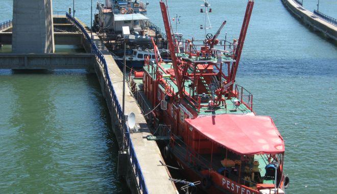 2.580 de unități navale au tranzitat canalele navigabile în primele zece luni din 2020 - 2580deunitatinavaleautranzitatca-1604687070.jpg