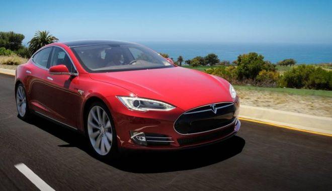 Foto: Directorul Tesla, vești îmbucurătoare. Deschide prima fabrică în Europa