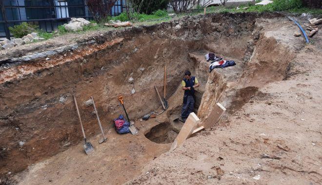 GALERIE FOTO. Un nou mormânt descoperit de arheologi la Mormântul Hypogeu - 4-1619089261.jpg