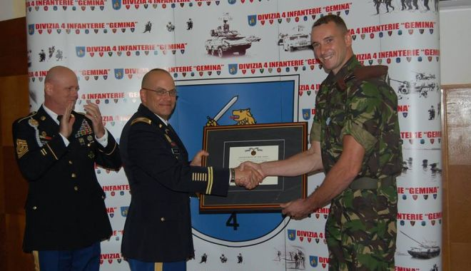 Foto: Militar român, medaliat de armata americană!