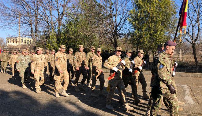 Foto: GALERIE FOTO / Momente emoționante la Constanța. Militarii români din Afganistan s-au întors acasă