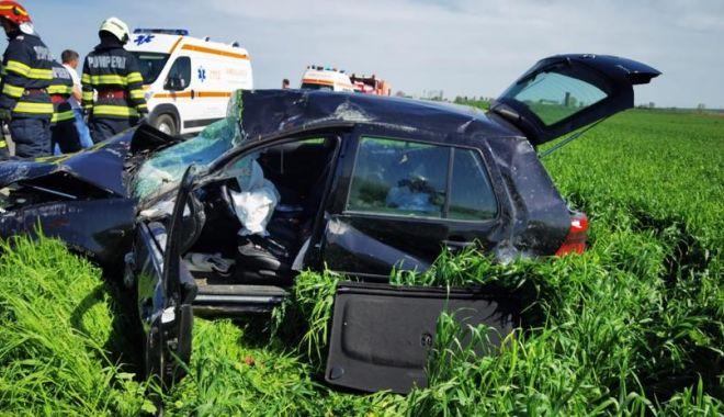GALERIE FOTO. Accident grav, în ziua de Paşte. Trei persoane au fost rănite - 6-1619964189.jpg