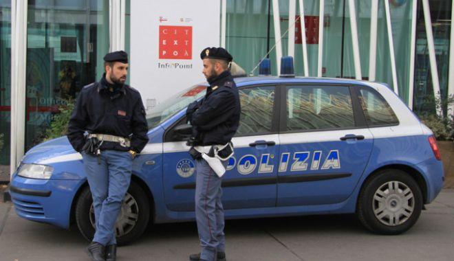 Foto: Un român, fiul său și iubita acestuia, încătușați în Italia! Ce acuzații li se aduc