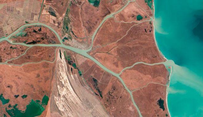 CNN: Imagini spectaculoase făcute de NASA. Cum arată Pământul din spaţiu - 7-1619167133.jpg