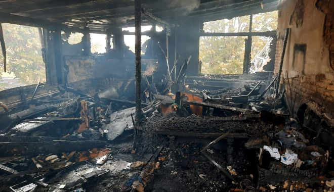 Incendiu la Constanța. Arde mansarda unei case - a4c196700d664f6d9ef4c72d1a005ce7-1602938648.jpg