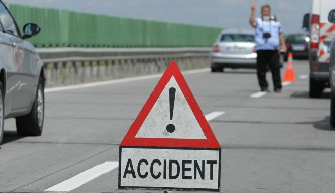 Foto: Două accidente, în această dimineață pe A2. Au fost implicate 7 mașini, iar o persoană a fost rănită