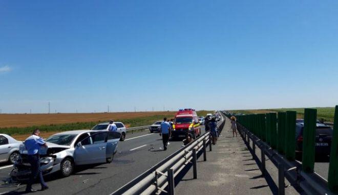 TRAFIC BLOCAT PE AUTOSTRADA SOARELUI. Cinci mașini implicate într-un accident rutier - accidentautostradasoareluisprpco-1626593725.jpg