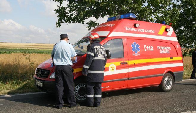 TREI MAȘINI implicate într-un accident, pe varianta Constanței. Au fost rănite două femei! - accidenttechirghiolambulantasmur-1622103781.jpg