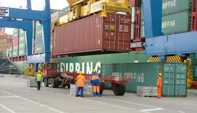 Foto: Acțiune de protest sindical la sediul Companiei Constanța South Container Terminal