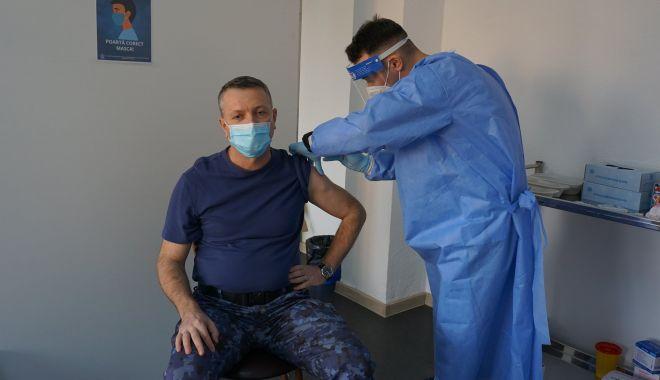 A început vaccinarea pentru personalul și elevii Școlii Militare de Maiștri Militari a Forțelor Navale - ainceputvaccinarea-1614069809.jpg