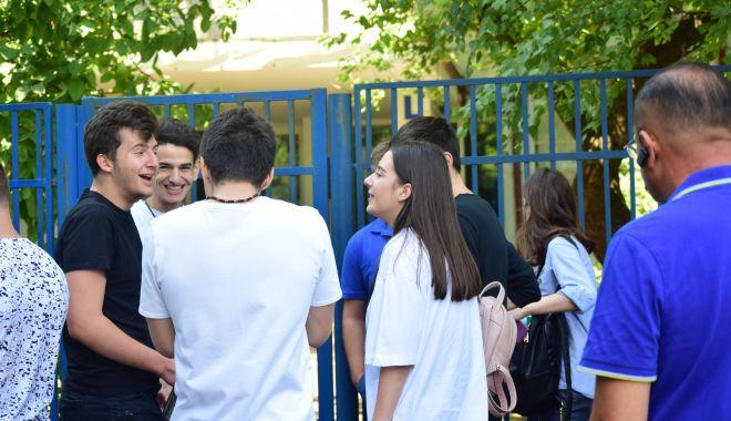 Foto: ISJ Constanța a rezolvat problema: elevii peste 18 ani vor primi alocațiile fără întârzieri!
