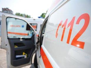 La un pas de tragedie. Fată atacată de rotweiller, în Valu lui Traian - ambulantagenericpublimediaoctavg-1601492336.jpg