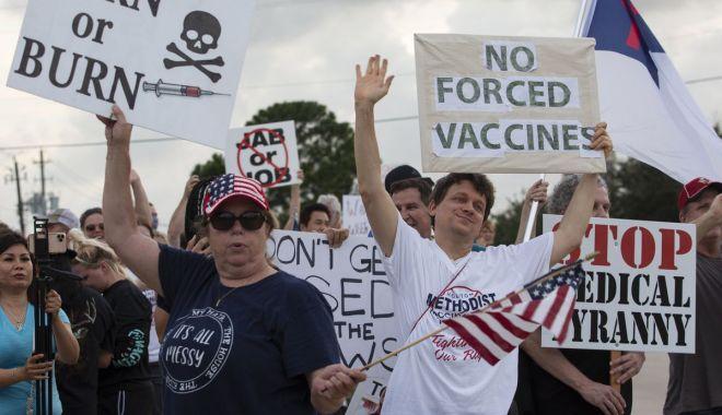 Angajaţii unui spital din Texas au fost concediaţi pentru că nu s-au vaccinat - angajatiiunuispital-1624558569.jpg