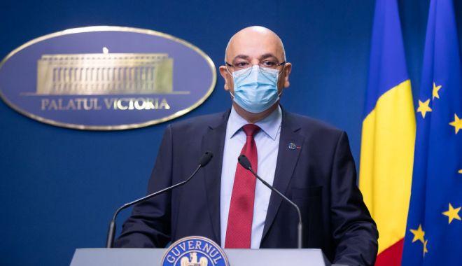 Foto: Raed Arafat: Dacă cineva refuză să poarte mască, nu va fi lăsat în secția de votare