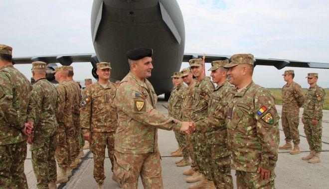 """Foto: Militari de elită! """"Șoimii Carpaților"""" se întorc din Afganistan"""