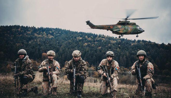 Foto: Comanda, la vânătorii de munte!