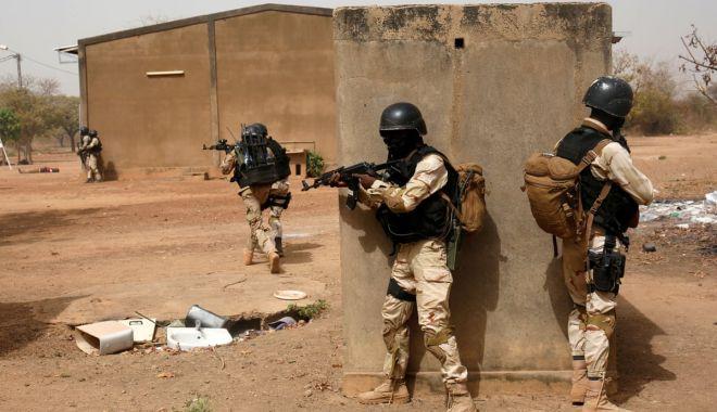 Peste 150 de morţi în două atacuri, în Burkina Faso - atacuriarmate-1622981236.jpg