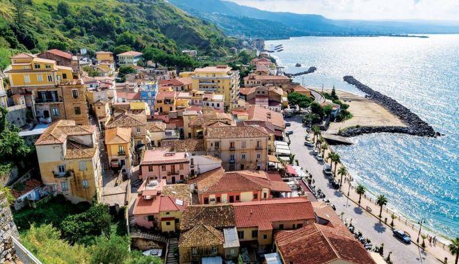Mii de euro pentru cei care vor să se mute la sate, în Italia - autoritatiledincalabria-1626626458.jpg