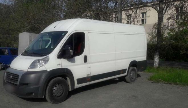 Autoutilitară furată din Spania, oprită în trafic  de polițiștii constănțeni - autouitilitara-1493996703.jpg