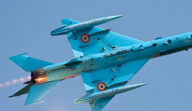 Foto: Zi IMPORTANTĂ pentru aviatori. Ce surpriză li se pregătește