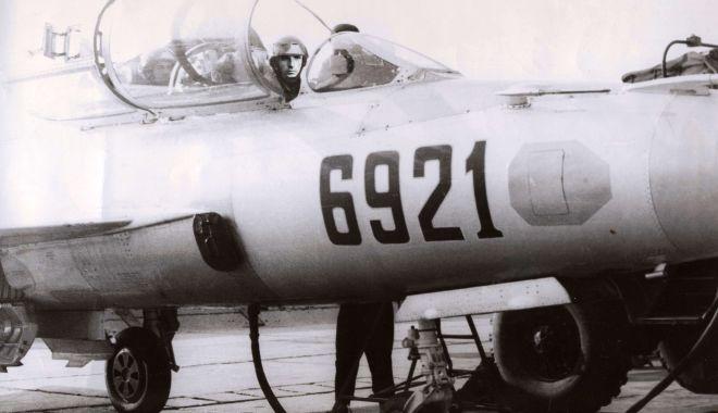 Foto: O poveste de acum fix 32 de ani! Catapultare din vrie cu MiG-21UM