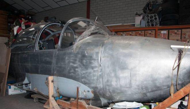 Foto: A servit în aviația militară germană, dar zace în hangar. Ar mai avea șanse de decolare? / GALERIE FOT0
