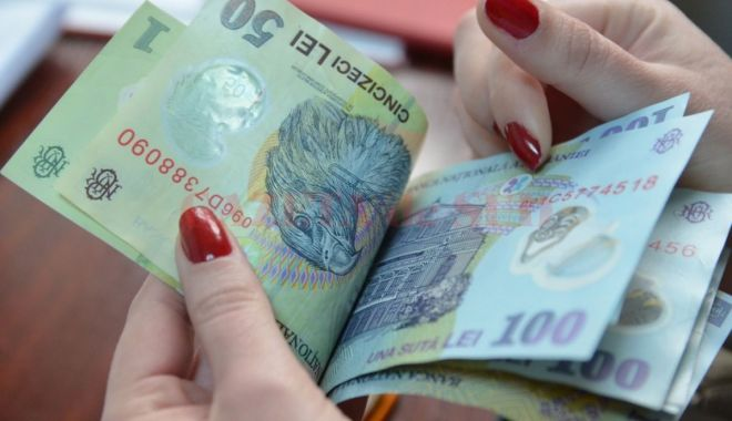 Foto: Bani în plus pentru șomerii care se angajează