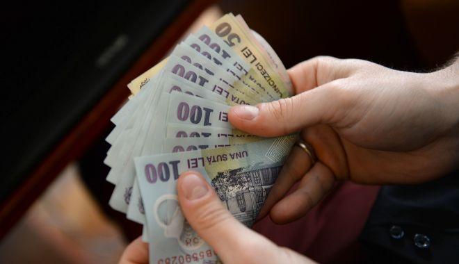 Foto: Bani de la stat pentru șomeri. Cine poate beneficia de prima de relocare