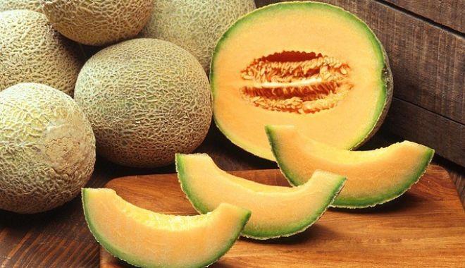 Cinci oameni au murit după ce au mâncat pepene galben - beneficiipepenegalbencantalup-1521239840.jpg