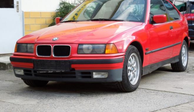 """Foto: BMW-ul unui fotbalist celebru, scos la vânzare. """"Mi se pare un preț suspect de mic!"""""""