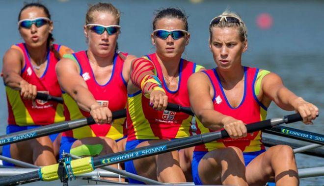 Foto: Canotoarele vâslesc spre medalii, la Campionatele Mondiale