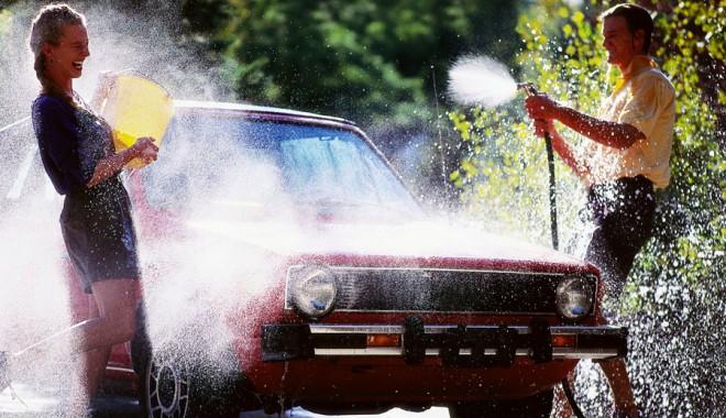 3 în 1 la Talent Car Wash: spălătorie auto, cafenea și fast-food - carwashingathomerooter206192013-1377864902.jpg