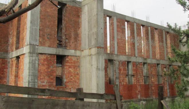 Foto: Cât mai durează șantierul Catedralei de la Casa de Cultură