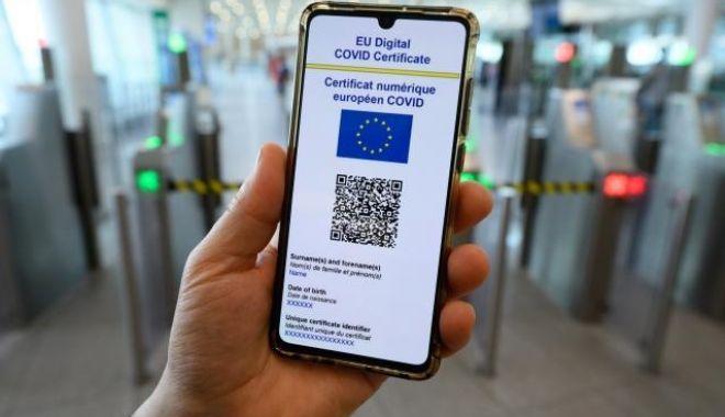 Certificatul verde, folosit de luni în România. Cum se obţine şi ce trebuie să ştim - cert-1631956314.jpg