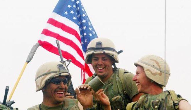 Foto: Adio glume în armată!