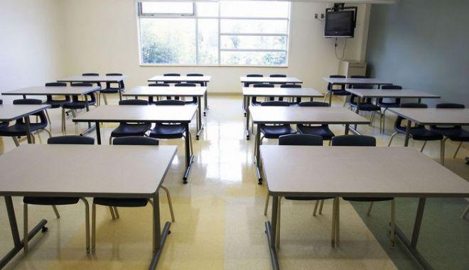 Foto: Cinci școli constănțene, parțial închise, din cauza gripei